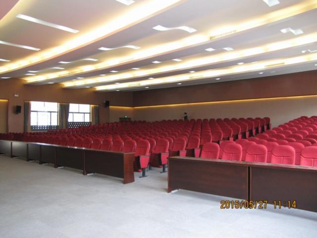扬中市油坊中心小学的500㎡多功能厅扩声项目顺利通过竣工验收